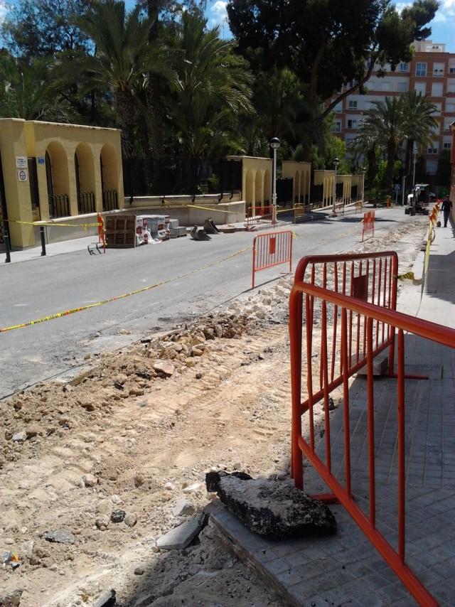 El Ayuntamiento ejecuta la ordenación tráfico en el sector del vial del Parc Nou y Paseo Arbrets.