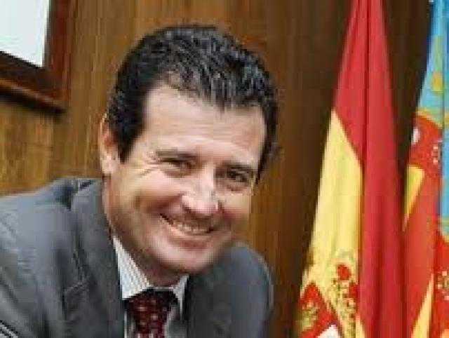 El Vicepresidente del Consell José Ciscar viene  a Crevillent para explicar las medidas de ajuste