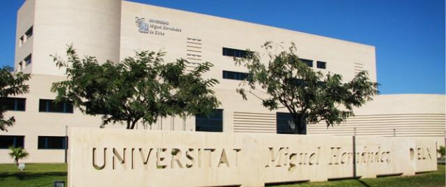 El Ayuntamiento pone un autobús gratuito  a los estudiantes de selectividad para llevarlos a la Universidad