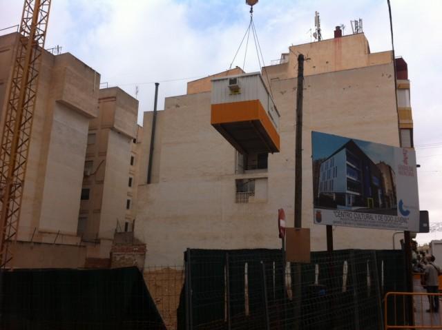 Se trasladan para mayor seguridad las casetas de obras del Centro de Ocio y Juvenil