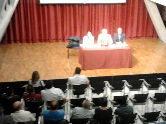 El Alcalde se reúne con los propietarios de terrazas para informarles de primera mano sobre la ordenanza de mesas y sillas y su nueva tasa