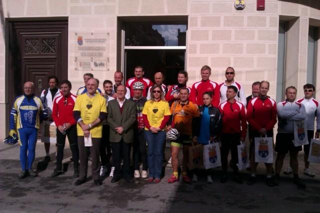 Crevillent recibe la  marcha cicloturista organizada con motivo de la celebración del Año Internacional de las Cooperativas