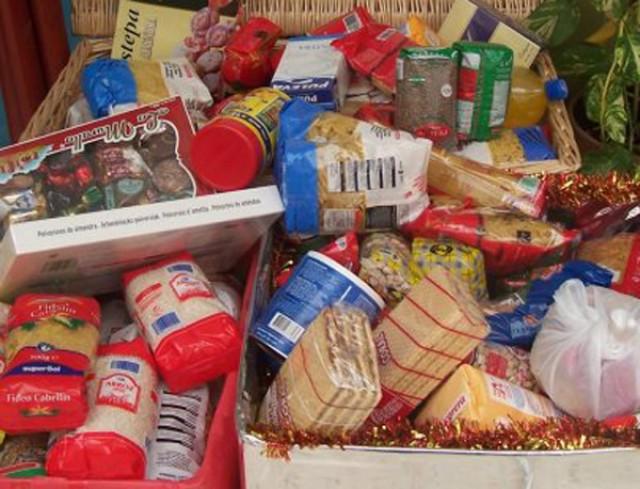 La Coordinadora de Acción Social  inicia la IV Campaña de Recogida de Alimentos para ayudar a los más necesitados