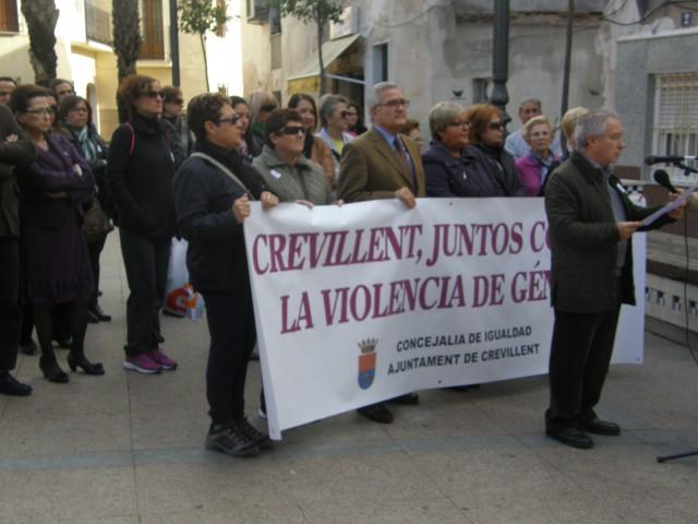 Crevillent se une a la conmemoración del Día contra la violencia de género