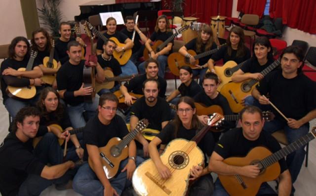 """Concierto de la orquesta """"Com una guitarra"""" mañana sábado en la Casa de Cultura"""