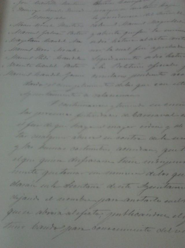 El documento destacado del mes del archivo municipal es el libro de actas de febrero de 1895