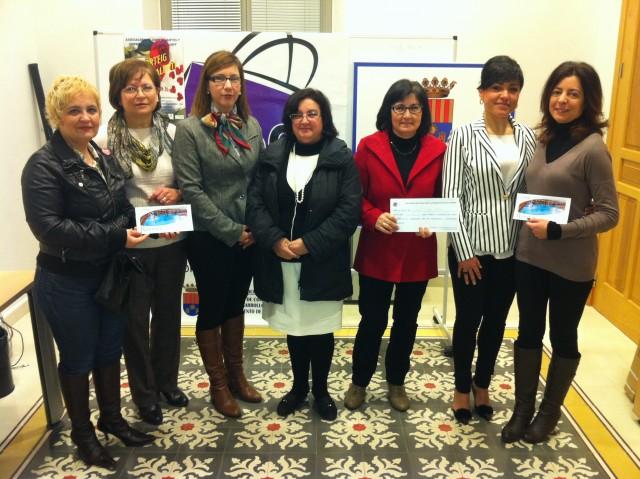 Los clientes del comercio asociado reciben los premios de la Campaña de San Valentín