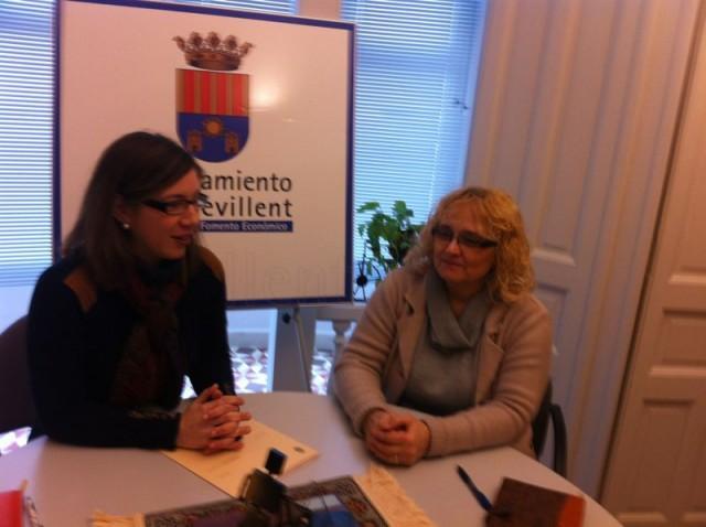 La concejal de Comercio se entrevista con la nueva presidenta de la Asociación de Comerciantes y Empresarios de Crevillent