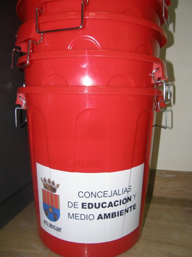 Los escolares de Crevillent recibirán unas  charlas sobre el reciclaje y la reutilización de plásticos