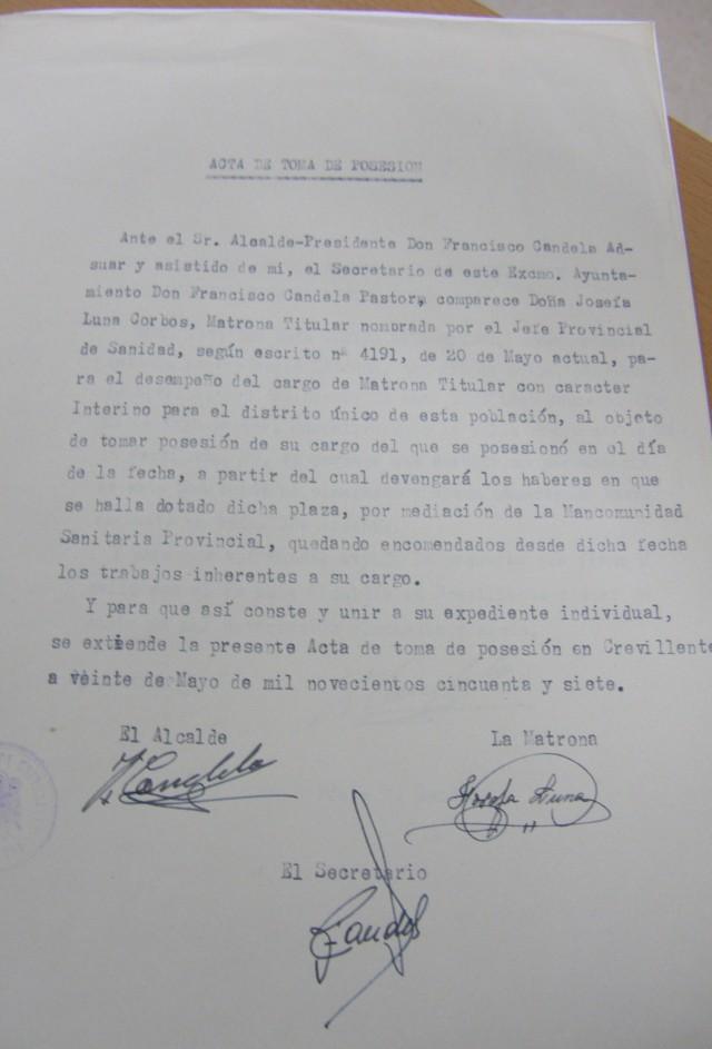 """El Archivo Municipal se une a la celebración del día de la mujer y da a conocer el documento del nombramiento de la matrona """"Doña Pepita"""""""