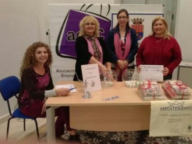ACEC y Ayuntamiento celebran el Día Internacional del Libro con sorteos.