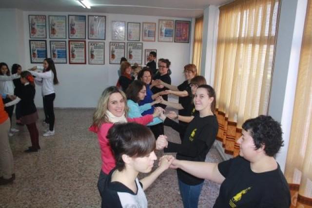 """""""Espacios danza""""  continúa los talleres mañana sábado y aplaza la clausura en la Plaza de la Comunidad Valenciana por riesgo de lluvia"""