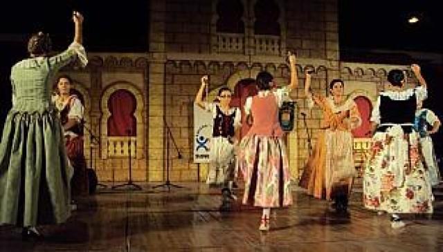 Cultura valora positivamente la gran acogida que ha tenido el Festival de Danzas, que ha tenido coste de 3.000 €  y ha financiado íntegramente