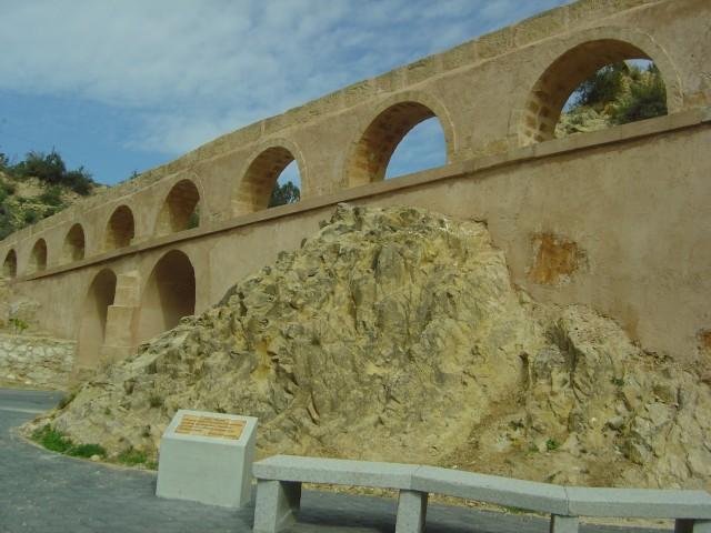 El Ayuntamiento pide a la Diputación cooperación técnica y económica para la rehabilitación del sistema hidráulico Qanats del barranco de la Rambla