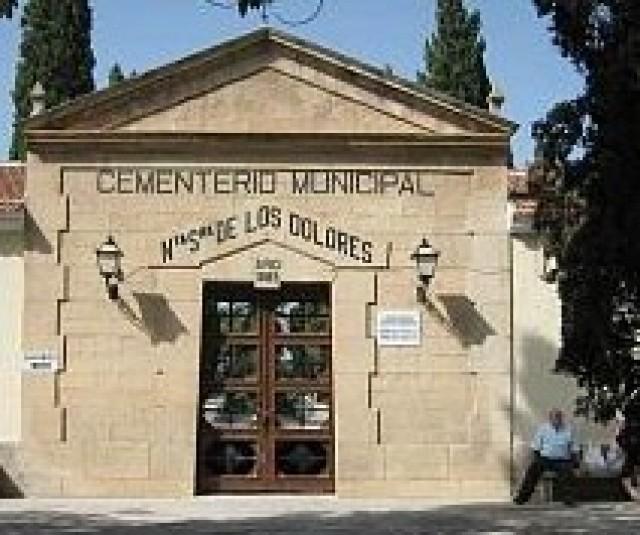 El Ayuntamiento habilita un servicio gratuito de autobús para acudir al cementerio el 1 de noviembre