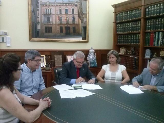 El Ayuntamiento y la Federación de Semana Santa suscriben 2 convenio que tendrán una aportación municipal de más de 62.000 €