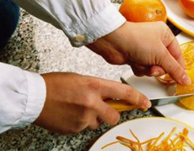 Juventud organiza un curso de manipulación de alimentos subvencionado por la Diputación provincial de Alicante