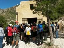 Cerca de 100 personas participan en la visita guiada al Parque de Montaña de San Cayetano