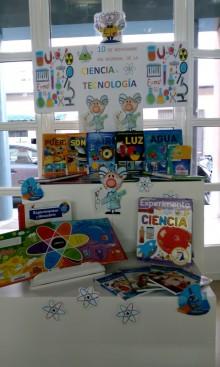 """Teatro científico en la Biblioteca Municipal """"Enric Valor"""" para escolares"""
