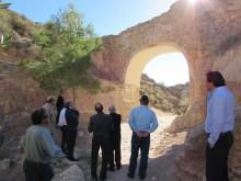 El Alcade de Crevillent César Augusto Asencio y el Diputado de Patrimonio y Arquitectura Jaume Lloret, han visitado hoy la finalización de la obra del Pont dels Moros
