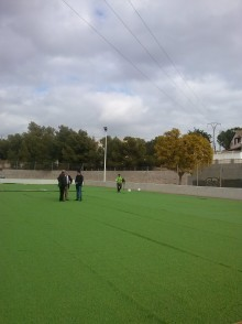 """El Ayuntamiento adjudicará en breve las obras de cambio de césped artificial en el Campo de Fútbol Municipal """"Enrique Miralles"""""""