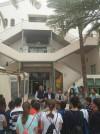 El Ayuntamiento y el Hospital del Vinalopó Dr. Mas Magro, han reanudado hoy las visitas de escolares al Mercado Municipal de Abastos