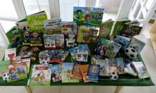 """La Biblioteca Municipal """"Enric Valor"""" dedica un espacio a libros relacionados con el fútbol con motivo del Mundial 2018"""