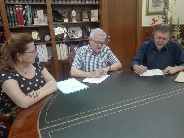 El Ayuntamiento de Crevillent  y la Federación Coral firman el convenio anual para promover la formación y promoción del canto coral