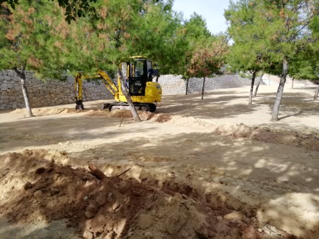 El Ayuntamiento inicia las obras de la nueva zona de ocio en la Rambla con juegos infantiles, gimnasio, mesas de picnic y un área canina