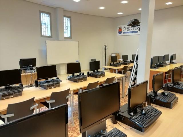 La Agencia de Desarrollo local sigue impartiendo cursos de informática para desempleados
