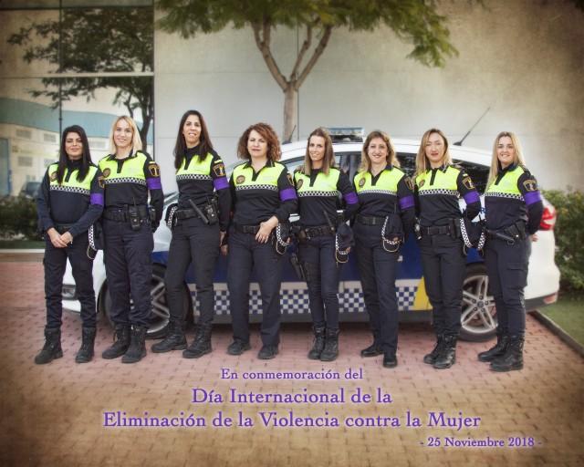 Las mujeres de la Policía Local de Crevillent se suman al Día Internacional de la Eliminación de la Violencia contra la Mujer