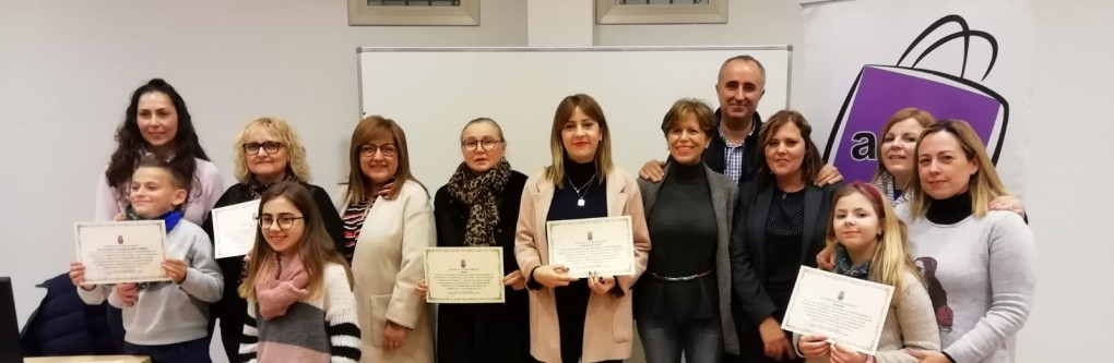 Joyería Feli Davó, Javier Mas Peluqueros y Pescados Martínez ganan el primer premio del XIII Concurso de Escaparates e Interiorismo en las distintas categorías