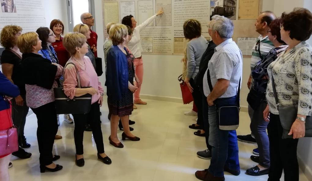 """Los alumnos-trabajadores del Taller de Empleo """"Villa de Crevillent"""" ponen en marcha visitas guiadas al Archivo Municipal"""