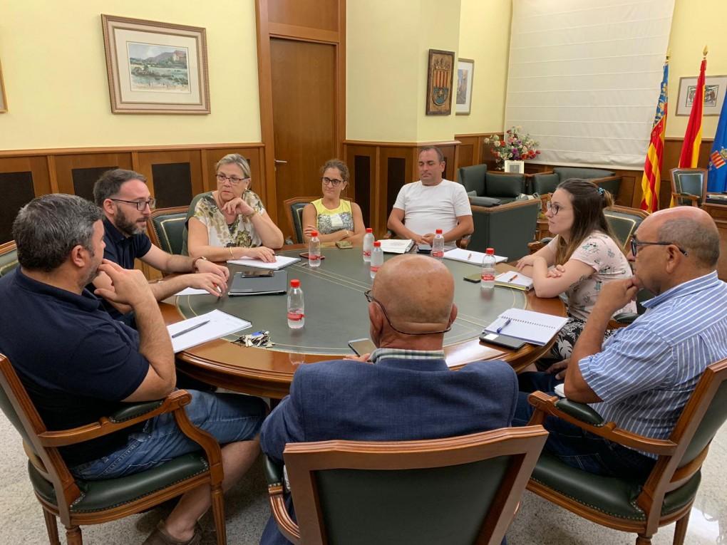 El Govern Municipal es reuneix per a perfilar els diferents aspectes de les festes patronals