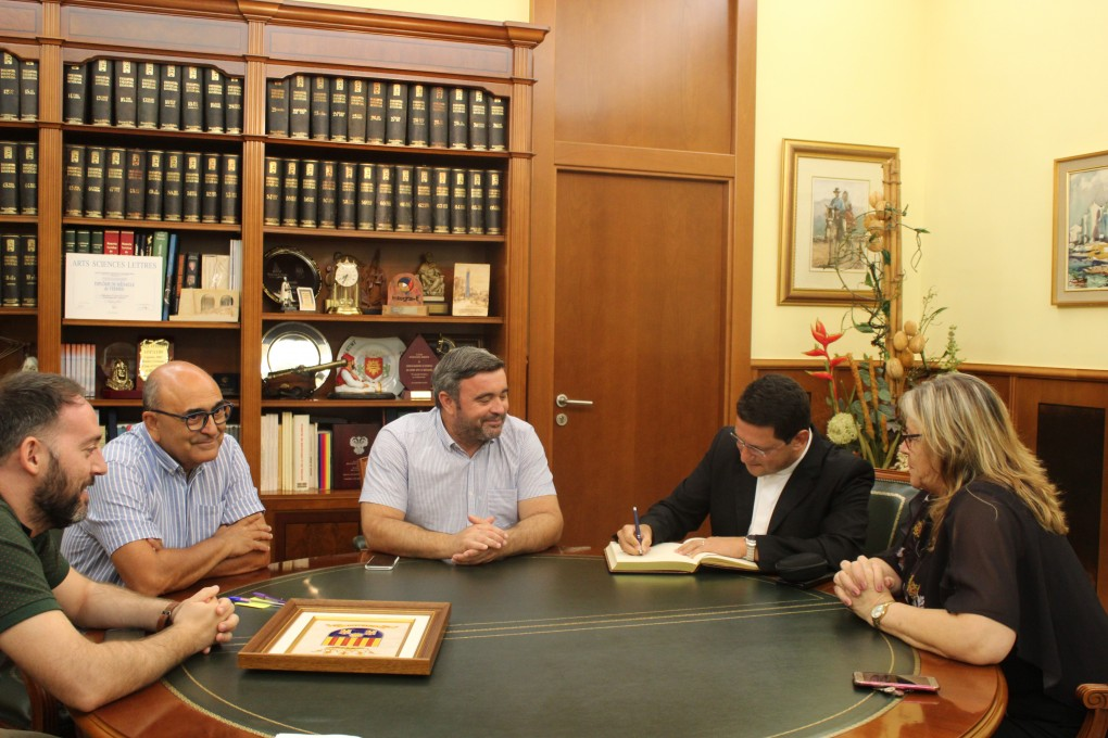 Monsenyor Javier Díaz Tenza ha visitat l'Ajuntament de Crevillent.