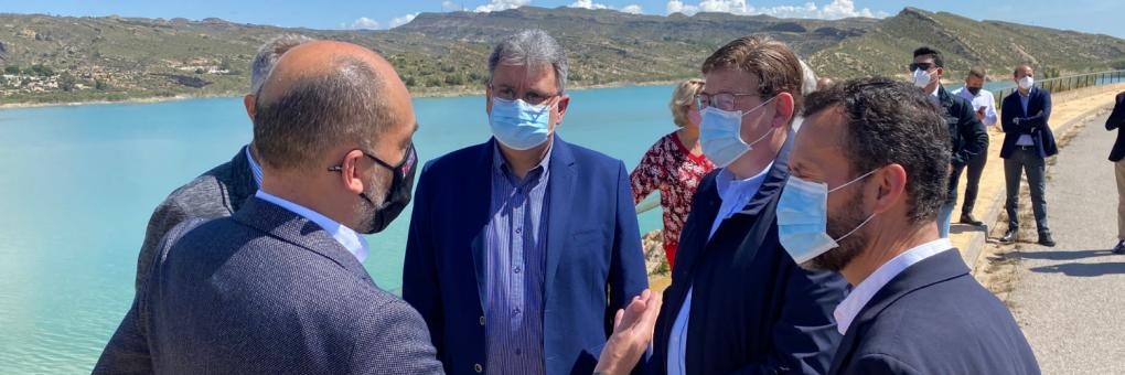Ximo Puig visita el pantà de Crevillent per a mostrar el seu suport al manteniment de l'actual cabal del transvasament