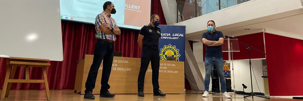 La Policia Local de Crevillent es forma en matèria de protecció animal