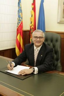 D.César Augusto Asencio Adsuar